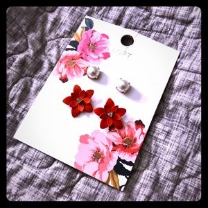 NWT Loft Floral Earrings Set